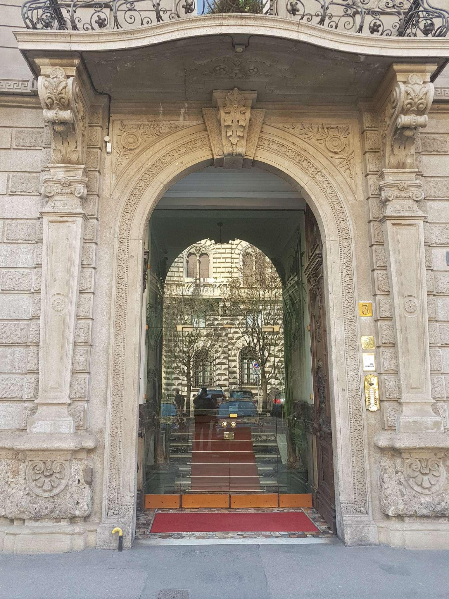 Ufficio-studio in Affitto a Milano 08 Vercelli / Magenta / Cadorna / Washington: 5 locali, 220 mq