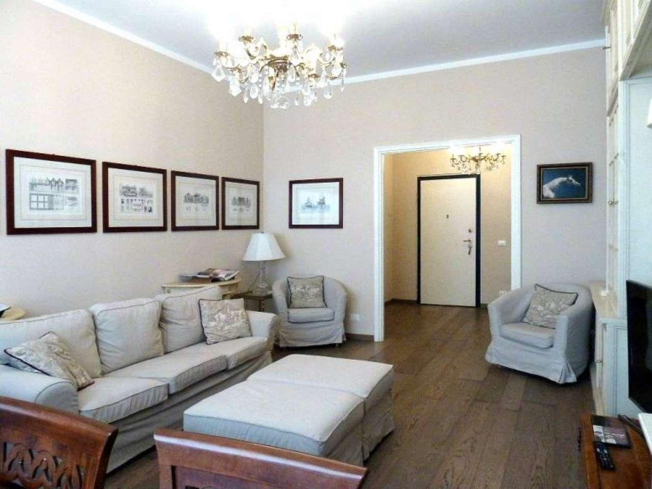 Appartamento in Vendita a Milano 08 Vercelli / Magenta / Cadorna / Washington: 4 locali, 155 mq