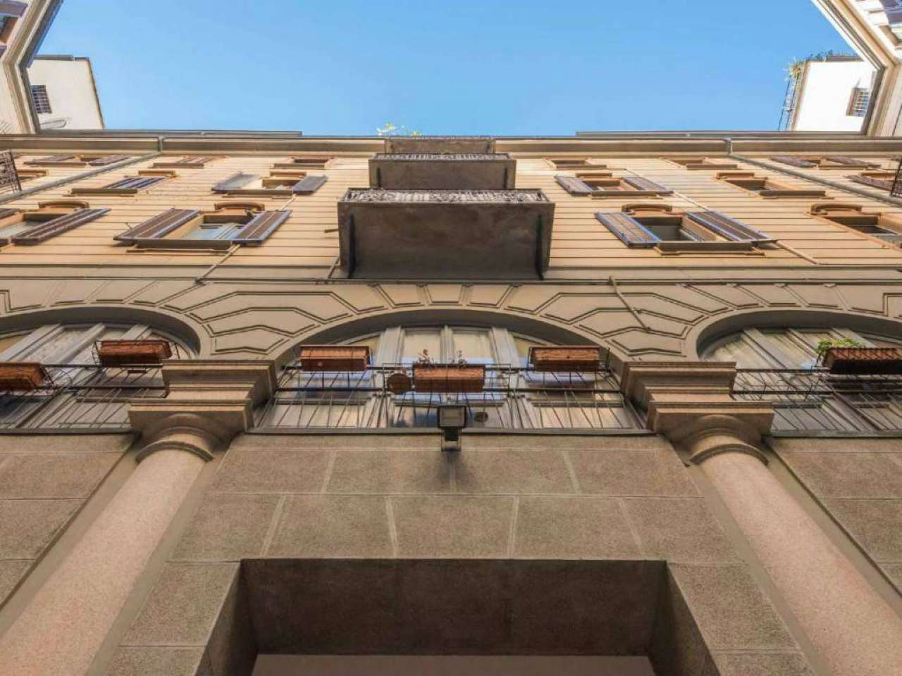 Appartamento in Vendita a Milano 08 Vercelli / Magenta / Cadorna / Washington: 5 locali, 270 mq