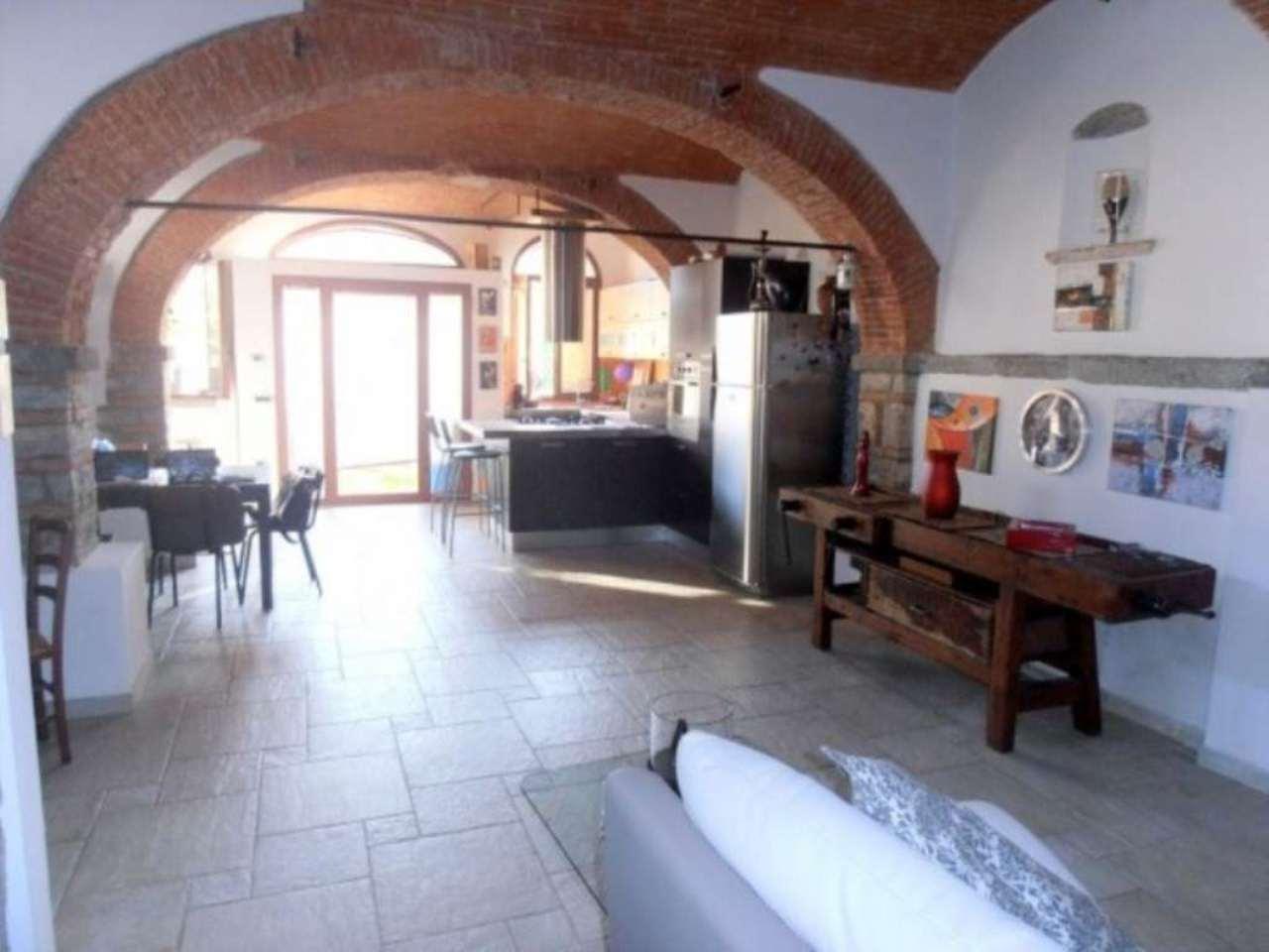 Appartamento in vendita a Pontassieve, 3 locali, prezzo € 165.000   Cambio Casa.it