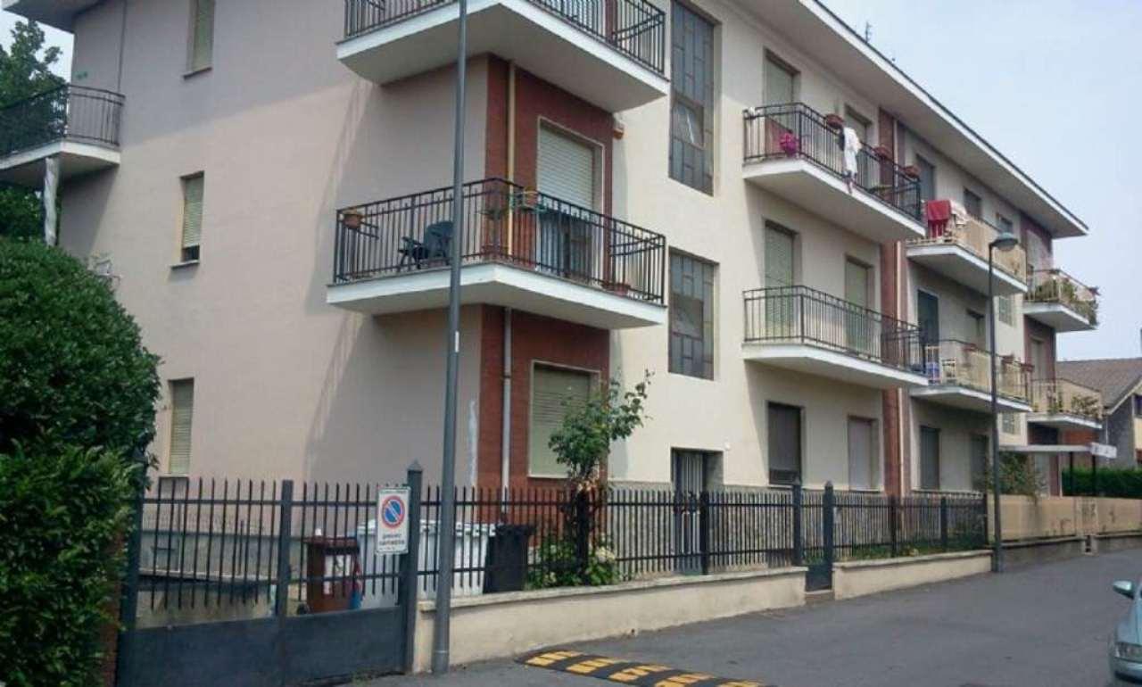 Appartamento in affitto a Beinasco, 3 locali, prezzo € 430 | Cambio Casa.it