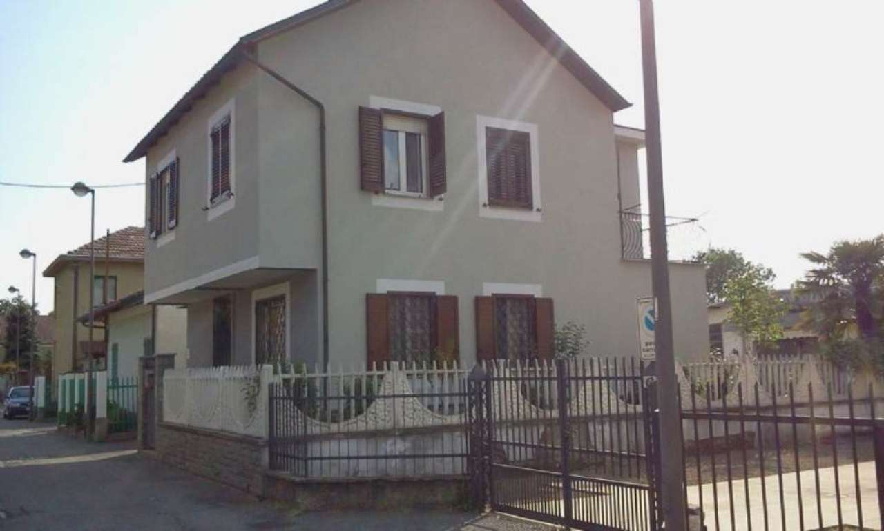 Soluzione Indipendente in vendita a Beinasco, 5 locali, prezzo € 449.000 | Cambio Casa.it