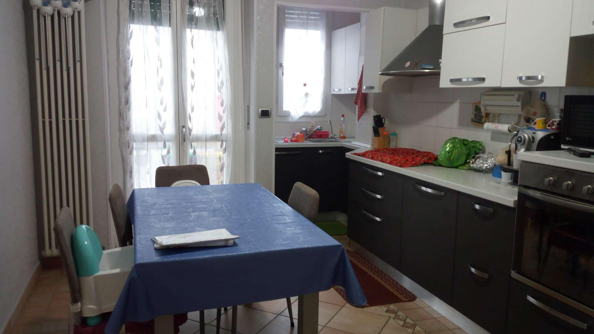 Appartamento in vendita a Beinasco, 3 locali, prezzo € 129.000 | CambioCasa.it