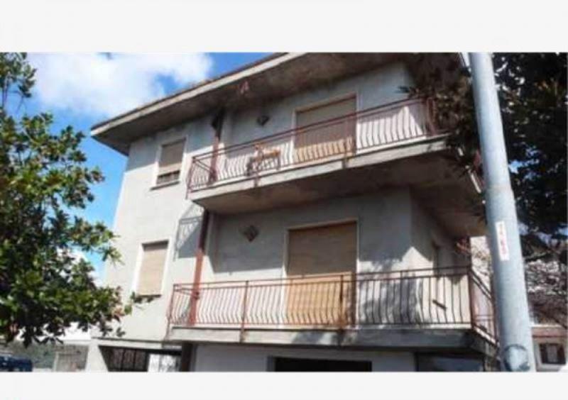 Villa in vendita a Cantù, 1 locali, prezzo € 235.000 | Cambiocasa.it