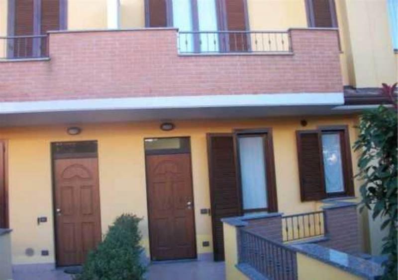 Villa a Schiera in vendita a Cantù, 1 locali, prezzo € 260.000 | Cambiocasa.it