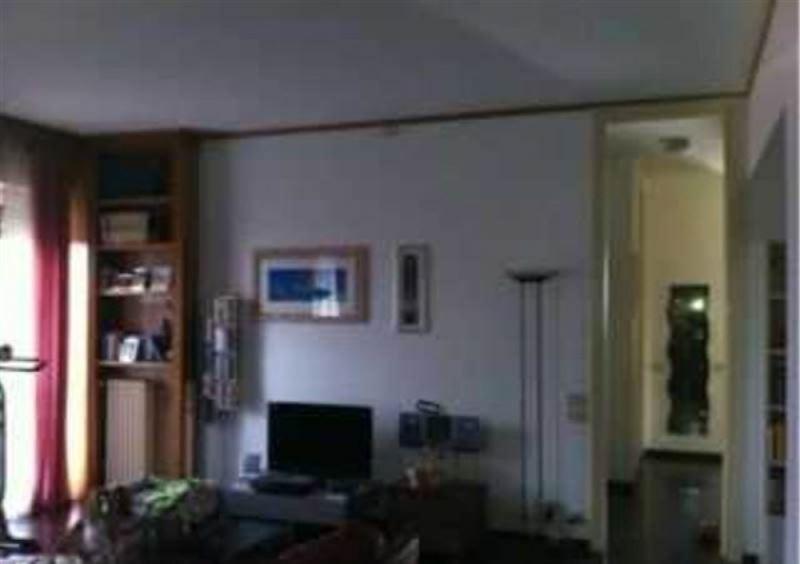 Appartamento in vendita a Cantù, 5 locali, prezzo € 310.000 | Cambiocasa.it