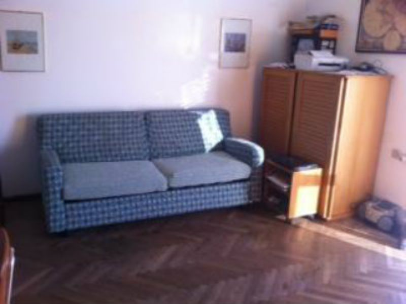 Appartamento in vendita a Cantù, 1 locali, prezzo € 40.000 | Cambiocasa.it