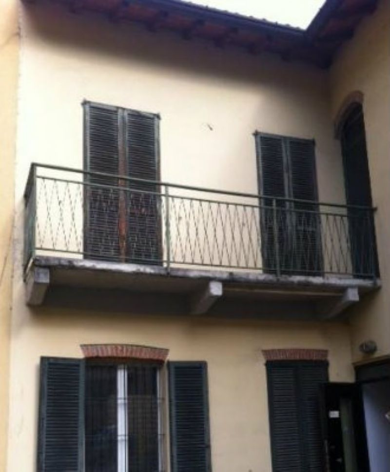 Appartamento in vendita a Cantù, 3 locali, prezzo € 139.000 | Cambiocasa.it