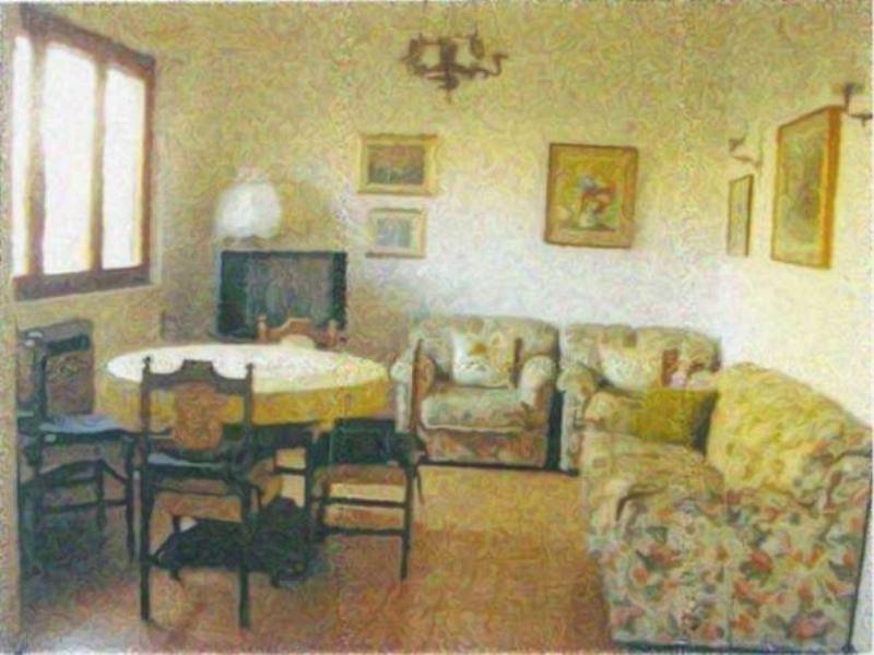 Villa in vendita a Viareggio, 5 locali, prezzo € 490.000 | Cambio Casa.it