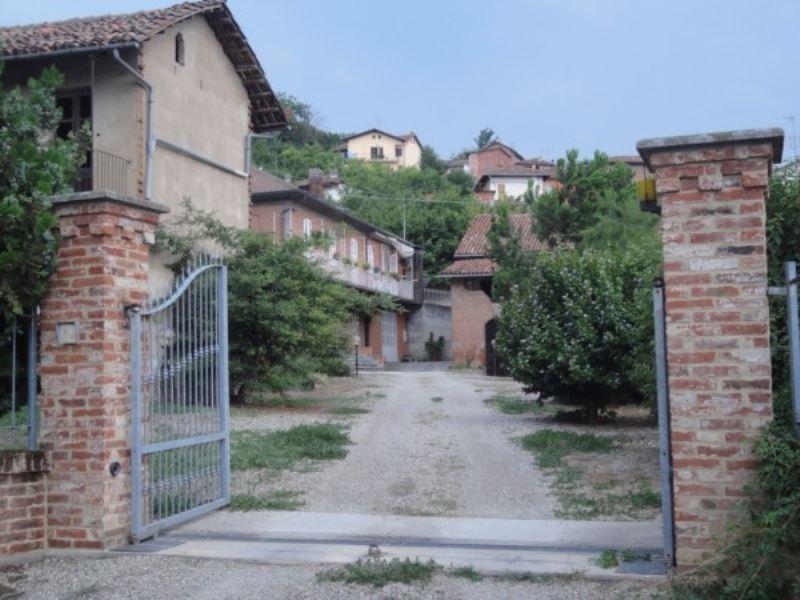 Rustico / Casale in Vendita a Santa Vittoria d'Alba