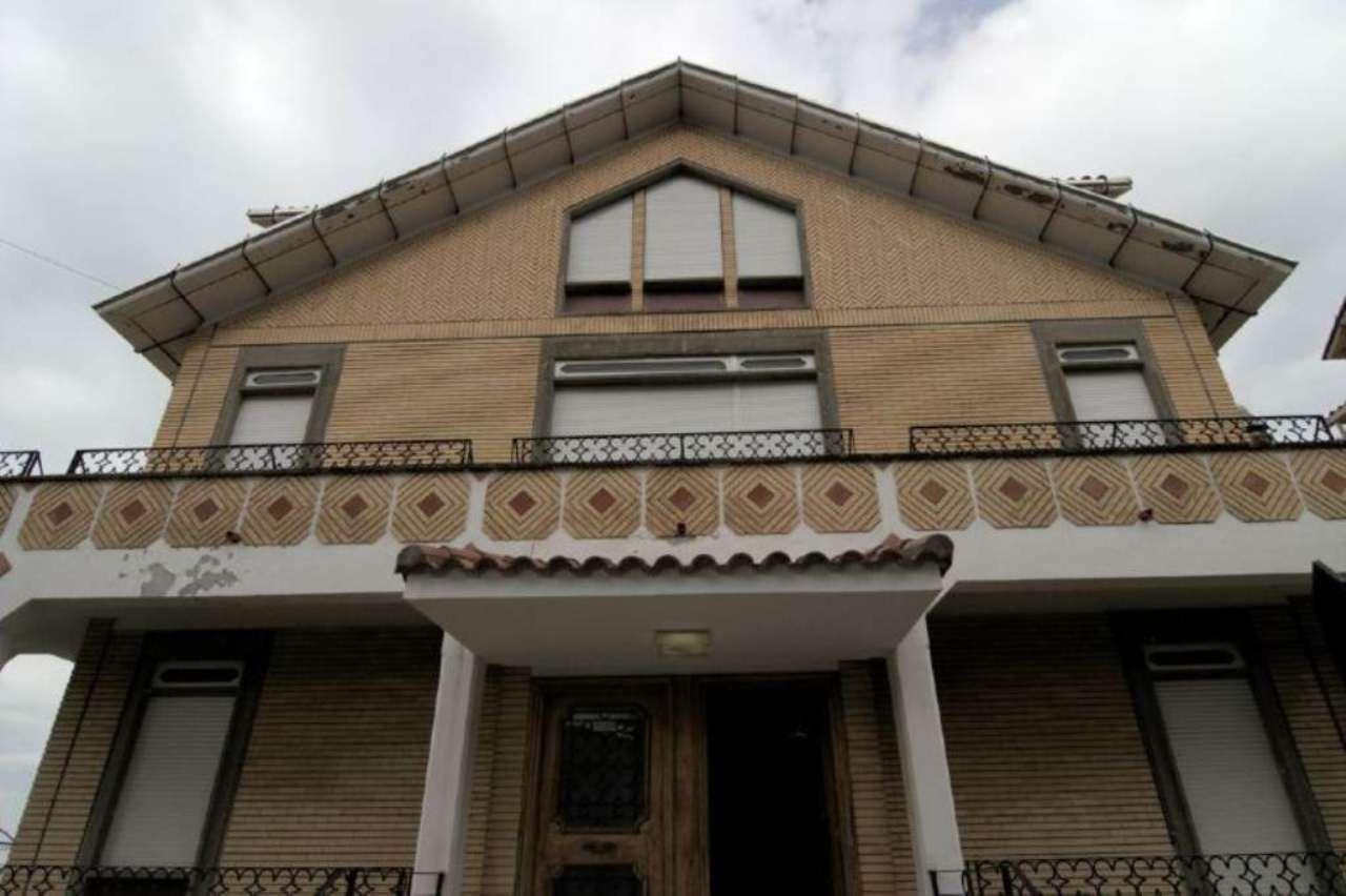 Villa in vendita a Monte Porzio Catone, 17 locali, prezzo € 750.000   Cambio Casa.it