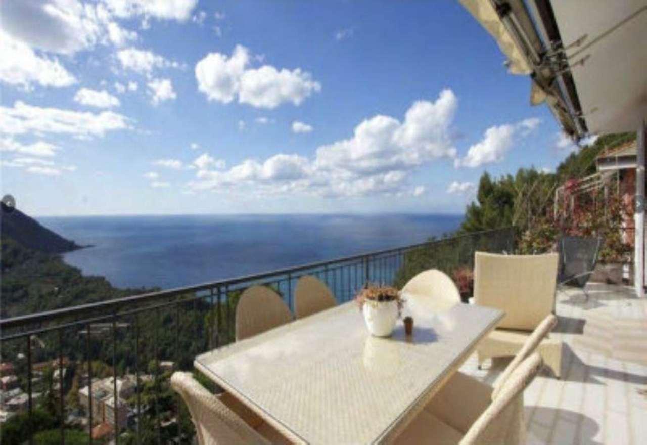 Villa in vendita a Camogli, 10 locali, prezzo € 1.150.000 | CambioCasa.it