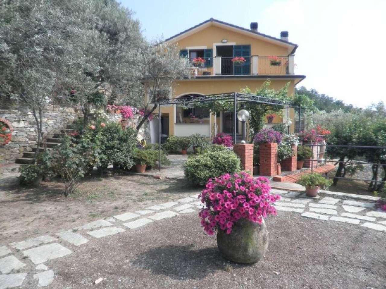 Appartamento in vendita a Camogli, 7 locali, prezzo € 550.000 | CambioCasa.it