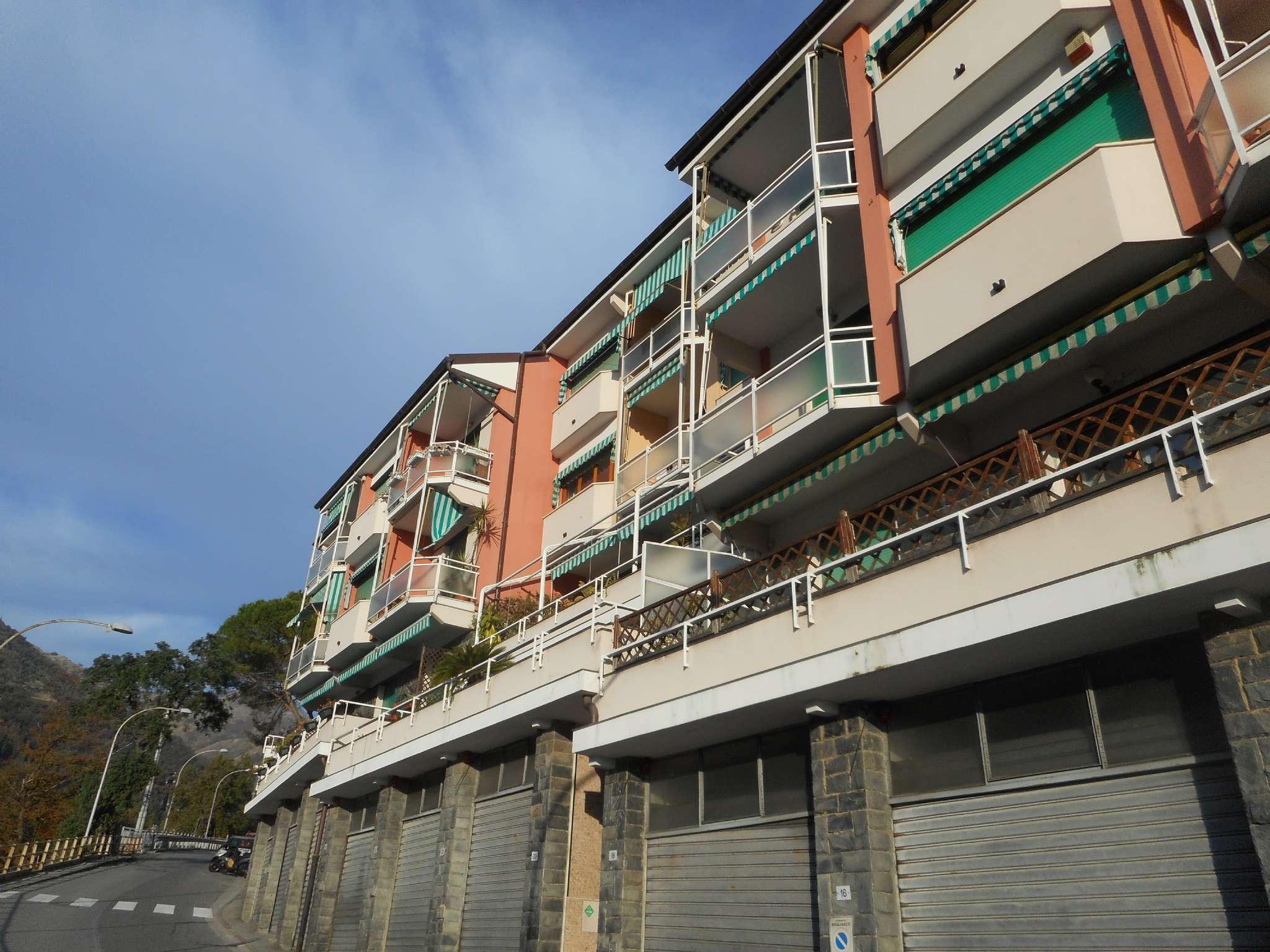 Appartamento in vendita a Bogliasco, 6 locali, prezzo € 310.000 | CambioCasa.it