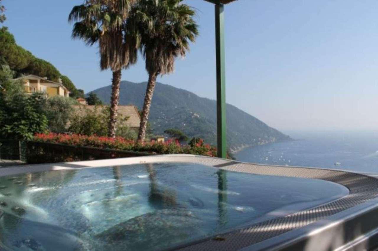 Appartamento in vendita a Camogli, 7 locali, prezzo € 700.000 | CambioCasa.it