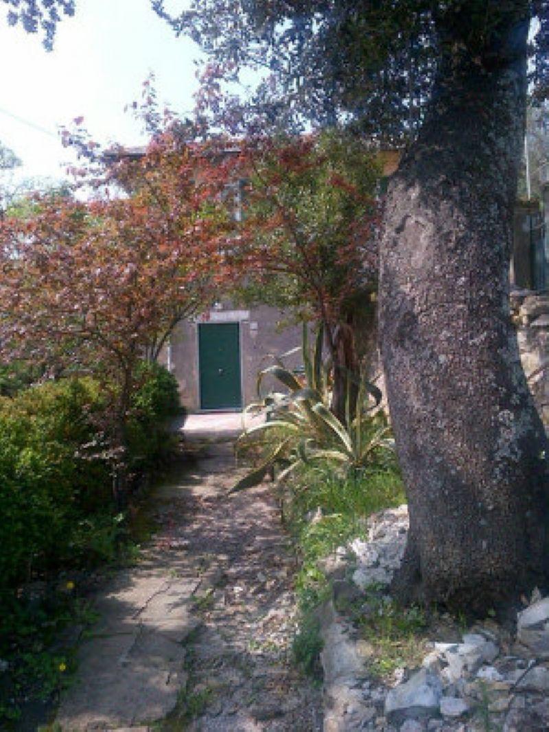 Villa Bifamiliare in vendita a Camogli, 8 locali, prezzo € 250.000 | CambioCasa.it