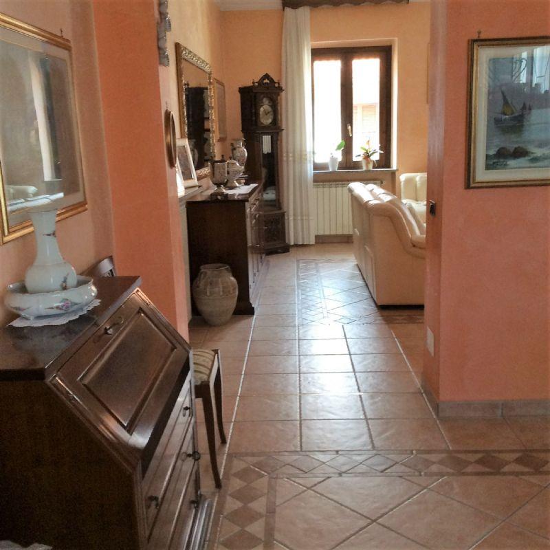 Appartamento in vendita a Venaria Reale, 5 locali, prezzo € 260.000 | Cambio Casa.it