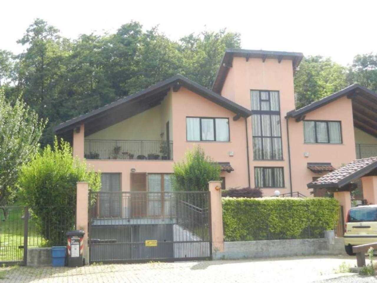 Villa Bifamiliare in vendita a Cafasse, 7 locali, prezzo € 300.000 | Cambio Casa.it