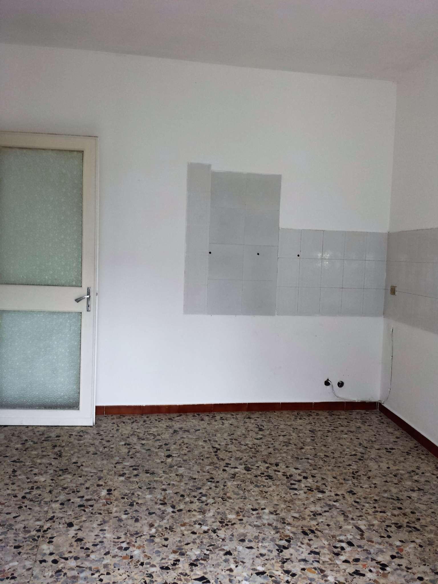 Bilocale Venaria Reale Via Cesare Battisti 11
