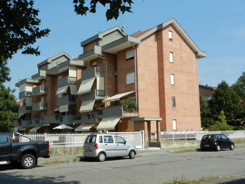 Appartamento in vendita a Venaria Reale, 6 locali, prezzo € 309.000 | Cambio Casa.it