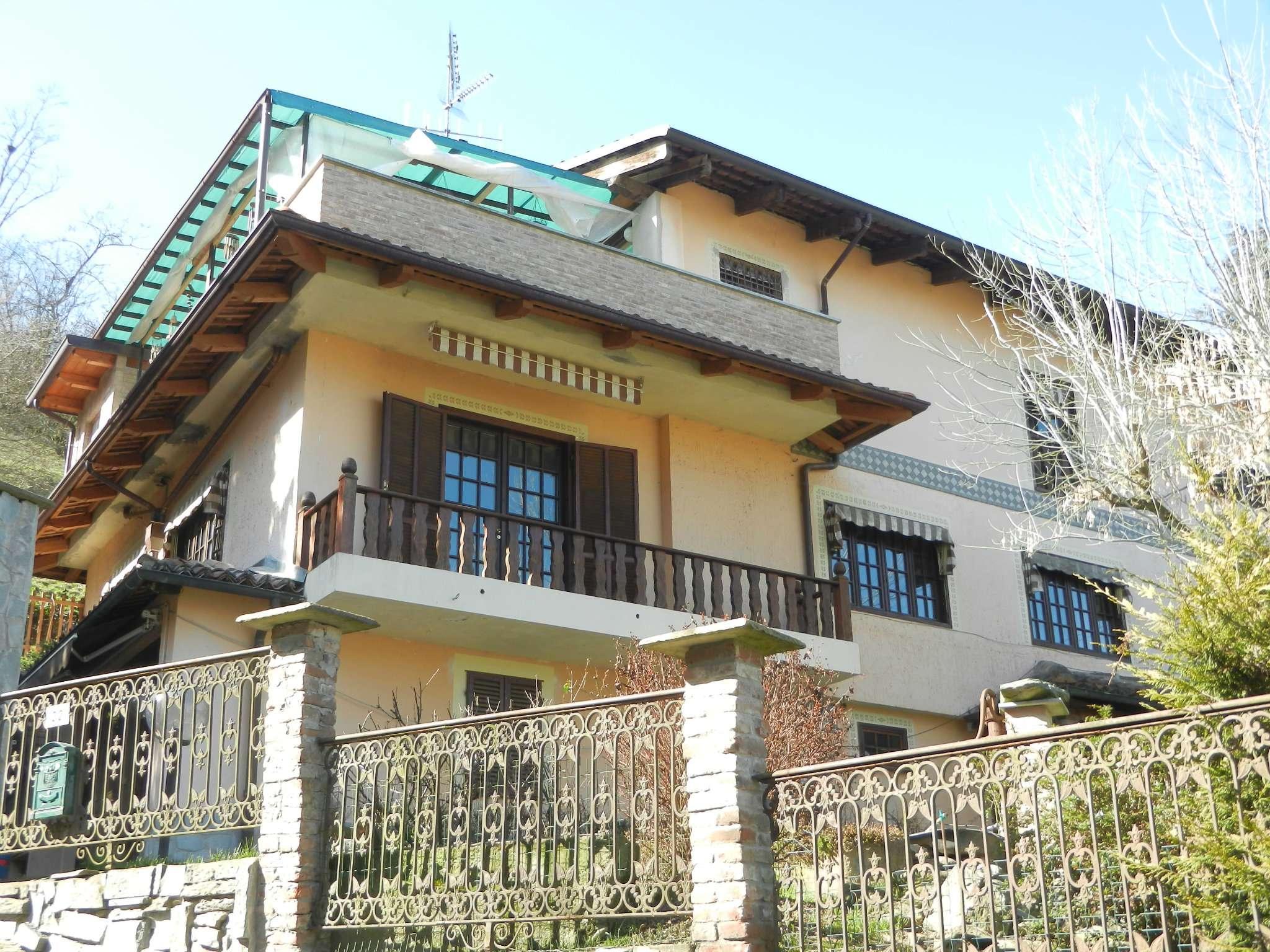 Villa in vendita a Castiglione Torinese, 13 locali, prezzo € 375.000 | Cambio Casa.it