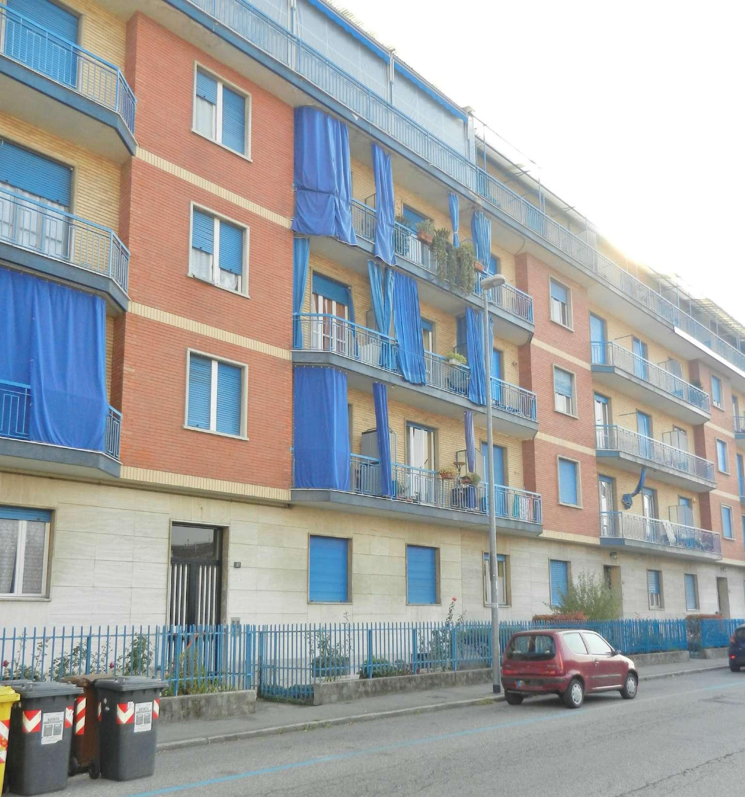 Appartamento in affitto a Venaria Reale, 4 locali, prezzo € 500 | CambioCasa.it