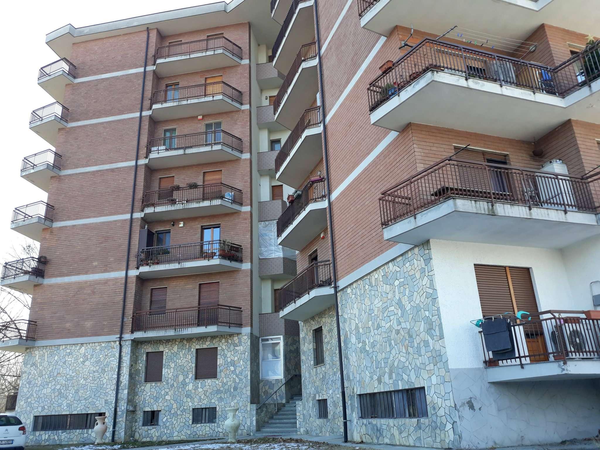 Appartamento in vendita a Robassomero, 4 locali, prezzo € 117.000 | CambioCasa.it