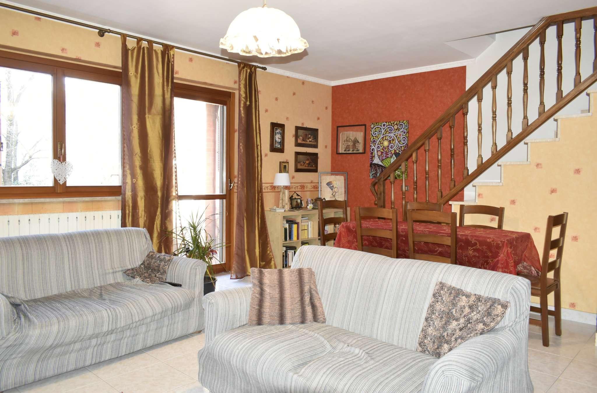 Villetta a Schiera in vendita via Italia La Cassa
