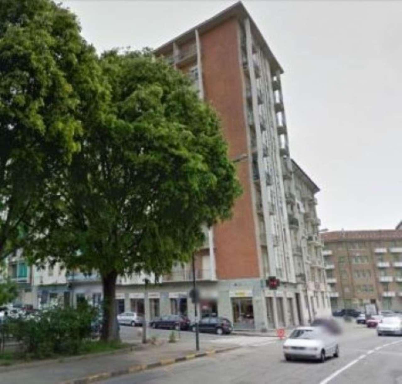 Bilocale Torino Via Pianezza 1