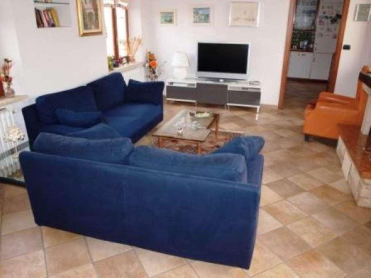 Soluzione Indipendente in vendita a Venaria Reale, 4 locali, prezzo € 369.000 | Cambio Casa.it