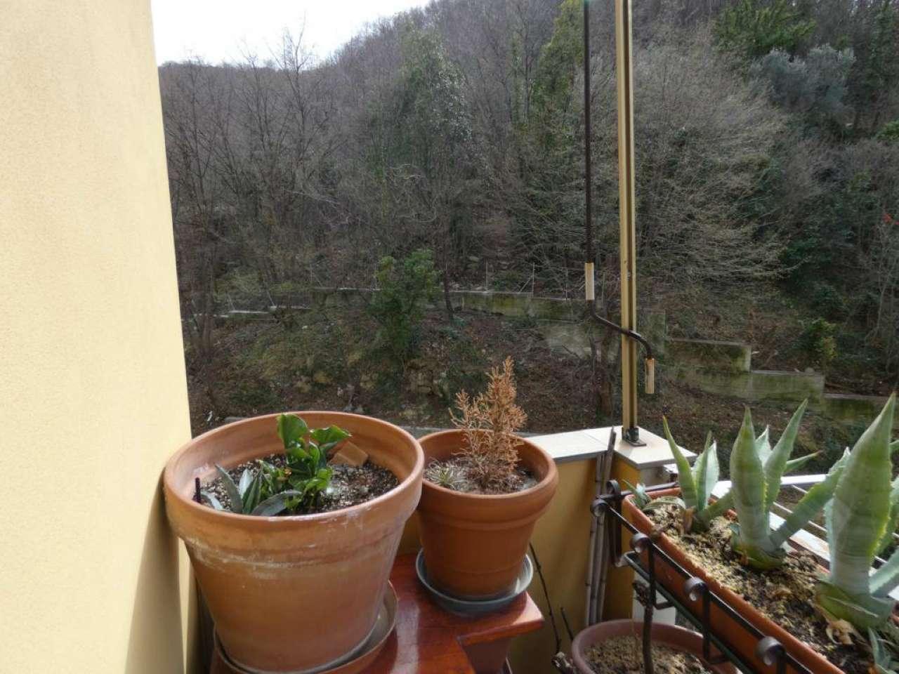Foto 1 di Appartamento via Ginestrato, Genova (zona Quezzi)