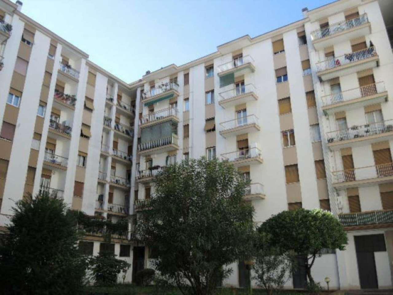 Bilocale Bergamo Via Borgo Palazzo 2