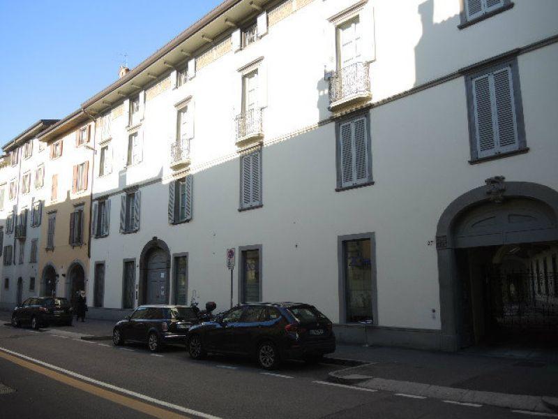 Bilocale Bergamo Via Broseta 10