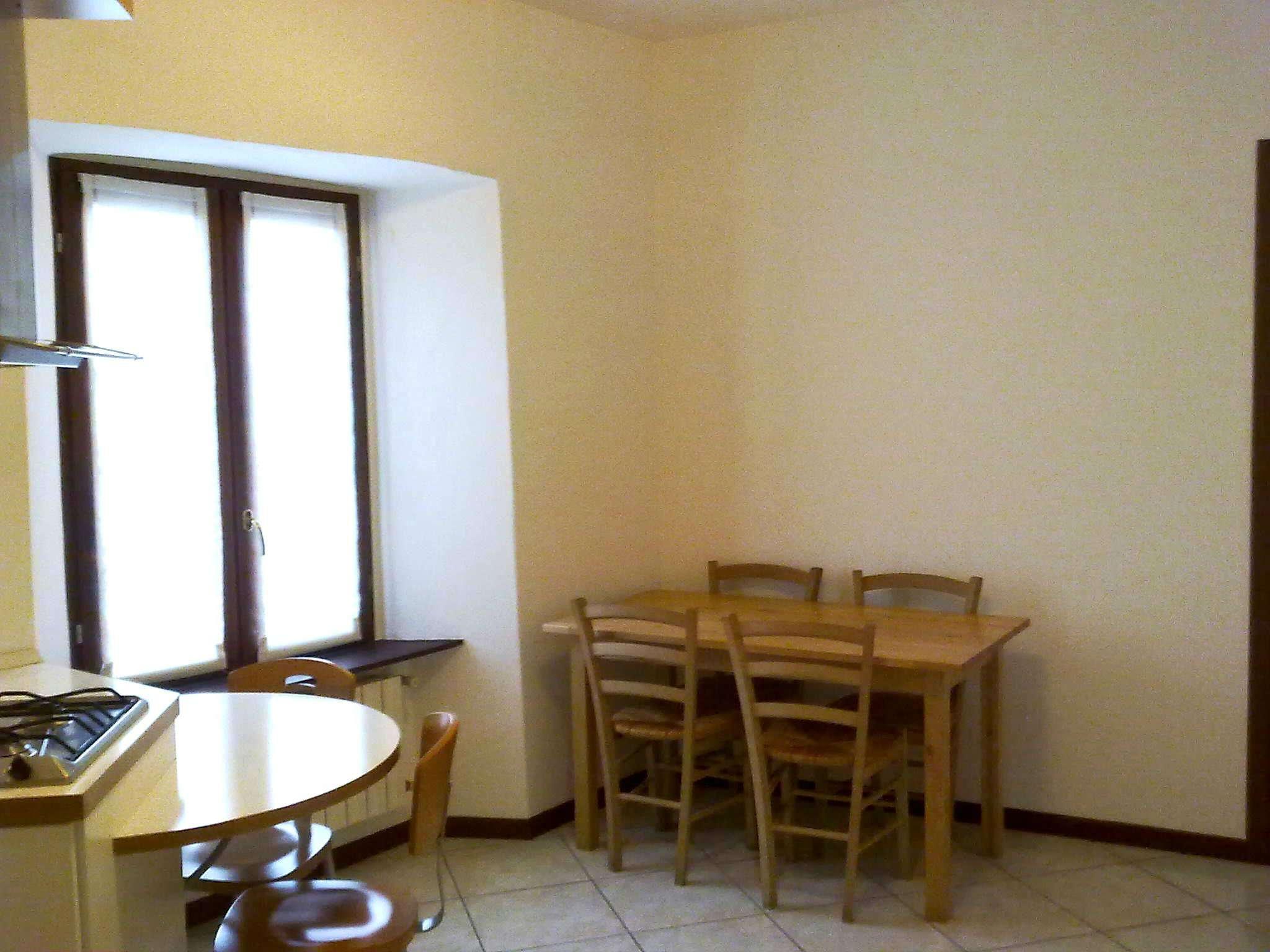 Bilocale Alzano Lombardo Via Mazzini 3