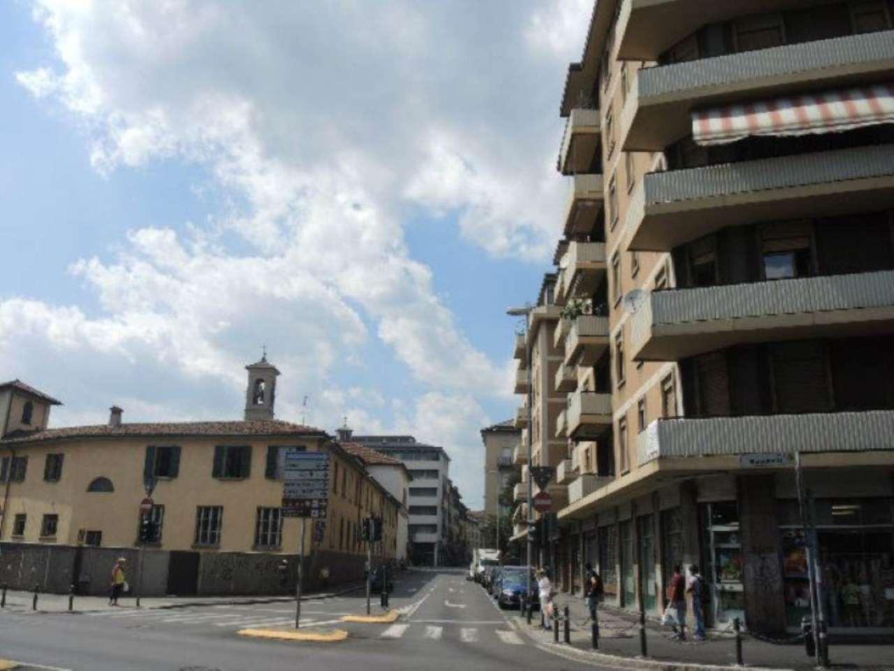 Bilocale Bergamo Via Giacomo Quarenghi 8