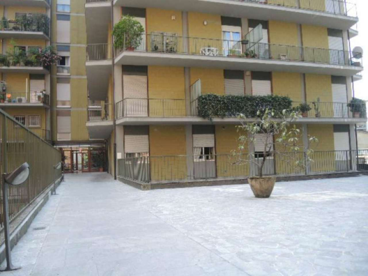 Bilocale Bergamo Via Longo 9