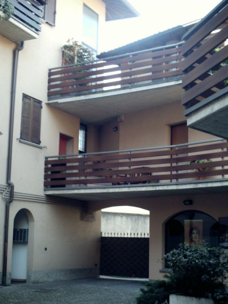 Bilocale Alzano Lombardo Via Mazzini 9