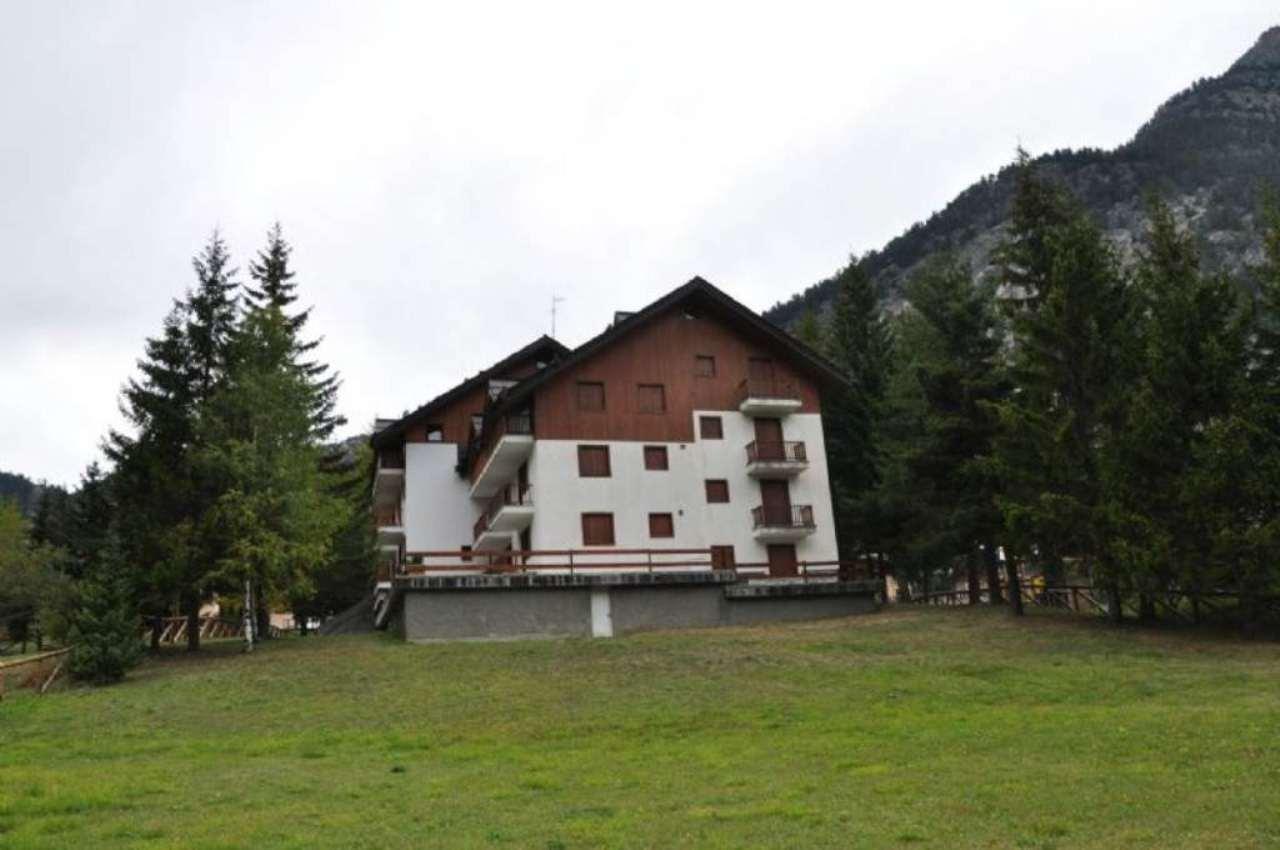 Appartamento in vendita a Claviere, 7 locali, Trattative riservate | Cambio Casa.it
