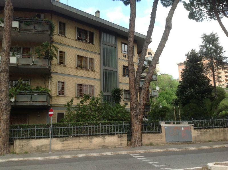 Appartamento in vendita a Roma, 3 locali, zona Zona: 22 . Eur - Torrino - Spinaceto, prezzo € 320.000   Cambiocasa.it