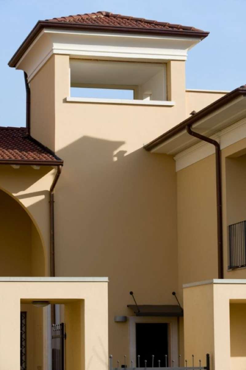 Appartamento in vendita a Ospitaletto, 8 locali, prezzo € 230.000 | Cambio Casa.it