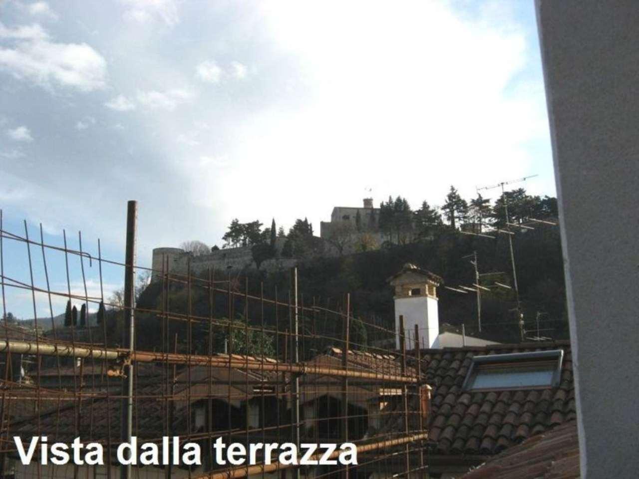 Soluzione Indipendente in vendita a Brescia, 8 locali, prezzo € 390.000 | Cambio Casa.it