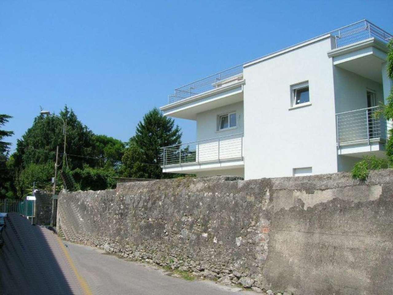Villa in vendita a Toscolano-Maderno, 4 locali, prezzo € 440.000 | Cambio Casa.it