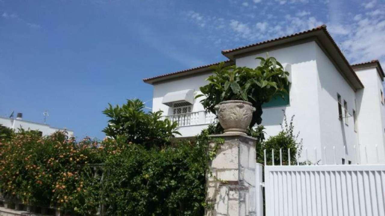 Palazzo / Stabile in affitto a Anzio, 12 locali, prezzo € 4.000 | CambioCasa.it