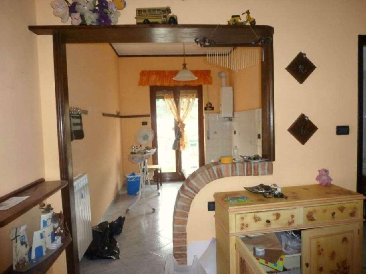 Appartamento in vendita a Mignanego, 4 locali, prezzo € 88.000 | Cambio Casa.it