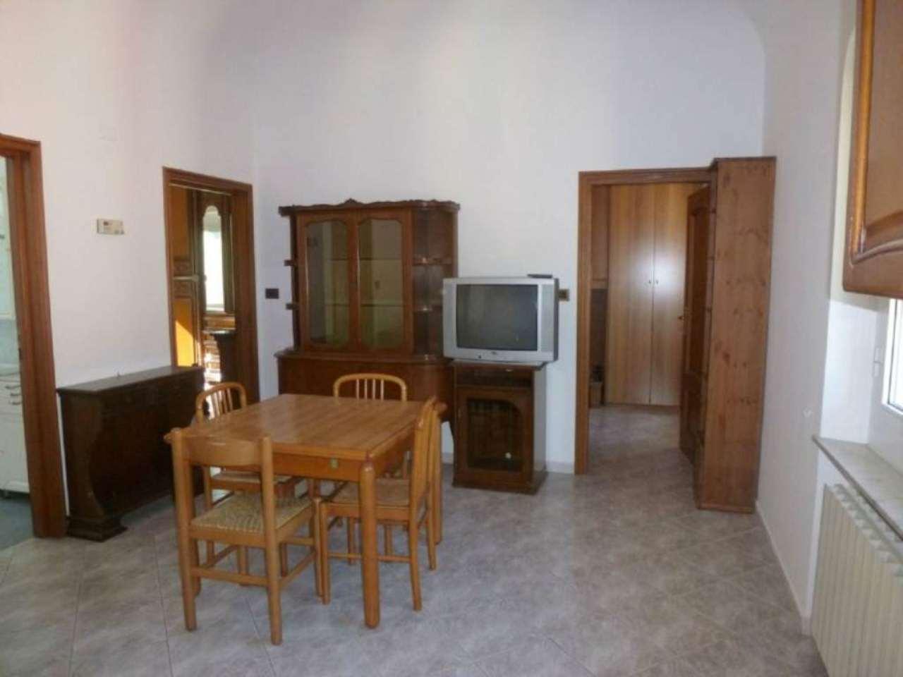 Appartamento in vendita a Campomorone, 4 locali, prezzo € 75.000 | CambioCasa.it