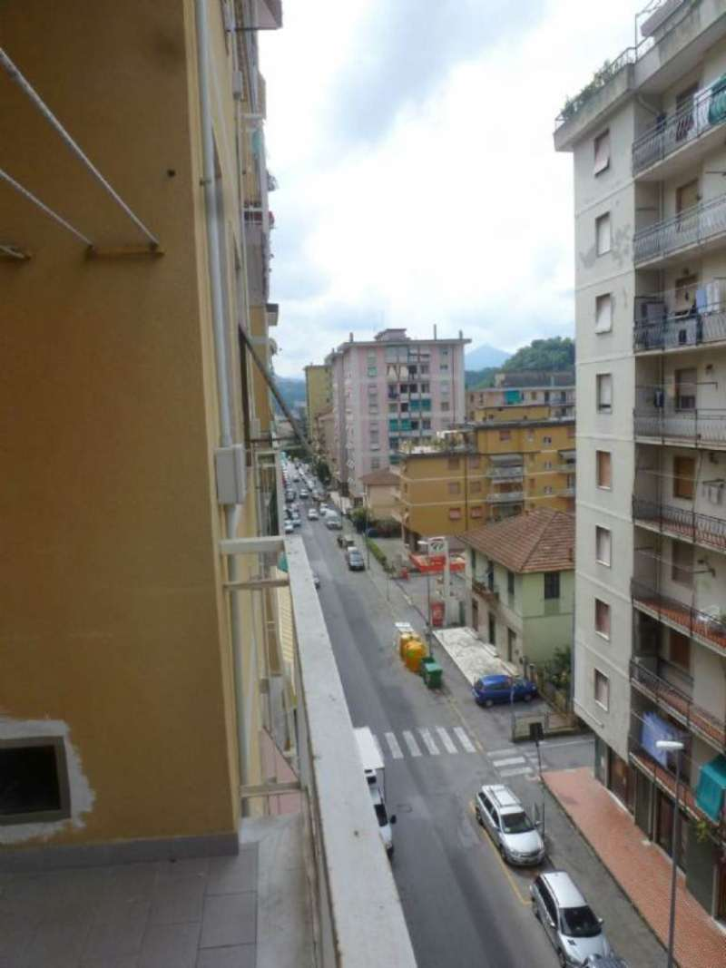 Appartamento in affitto a Campomorone, 5 locali, prezzo € 450 | CambioCasa.it