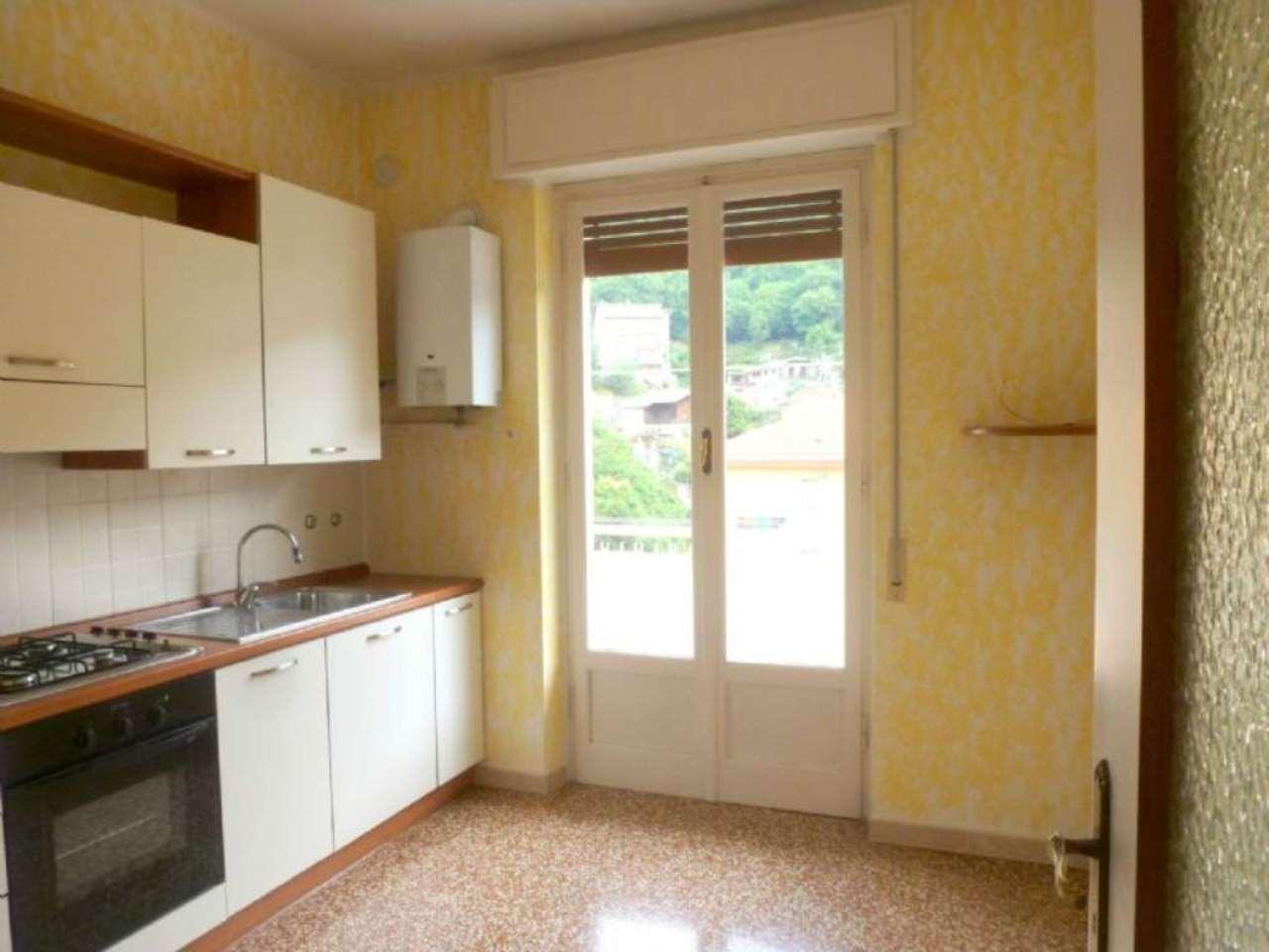 Appartamento in affitto a Campomorone, 4 locali, prezzo € 400 | Cambio Casa.it