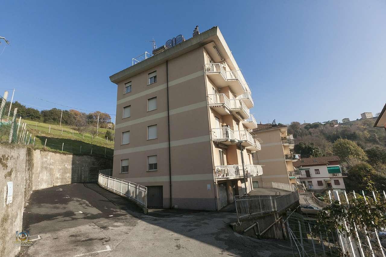 Attico / Mansarda in affitto a Serra Riccò, 4 locali, prezzo € 450 | CambioCasa.it
