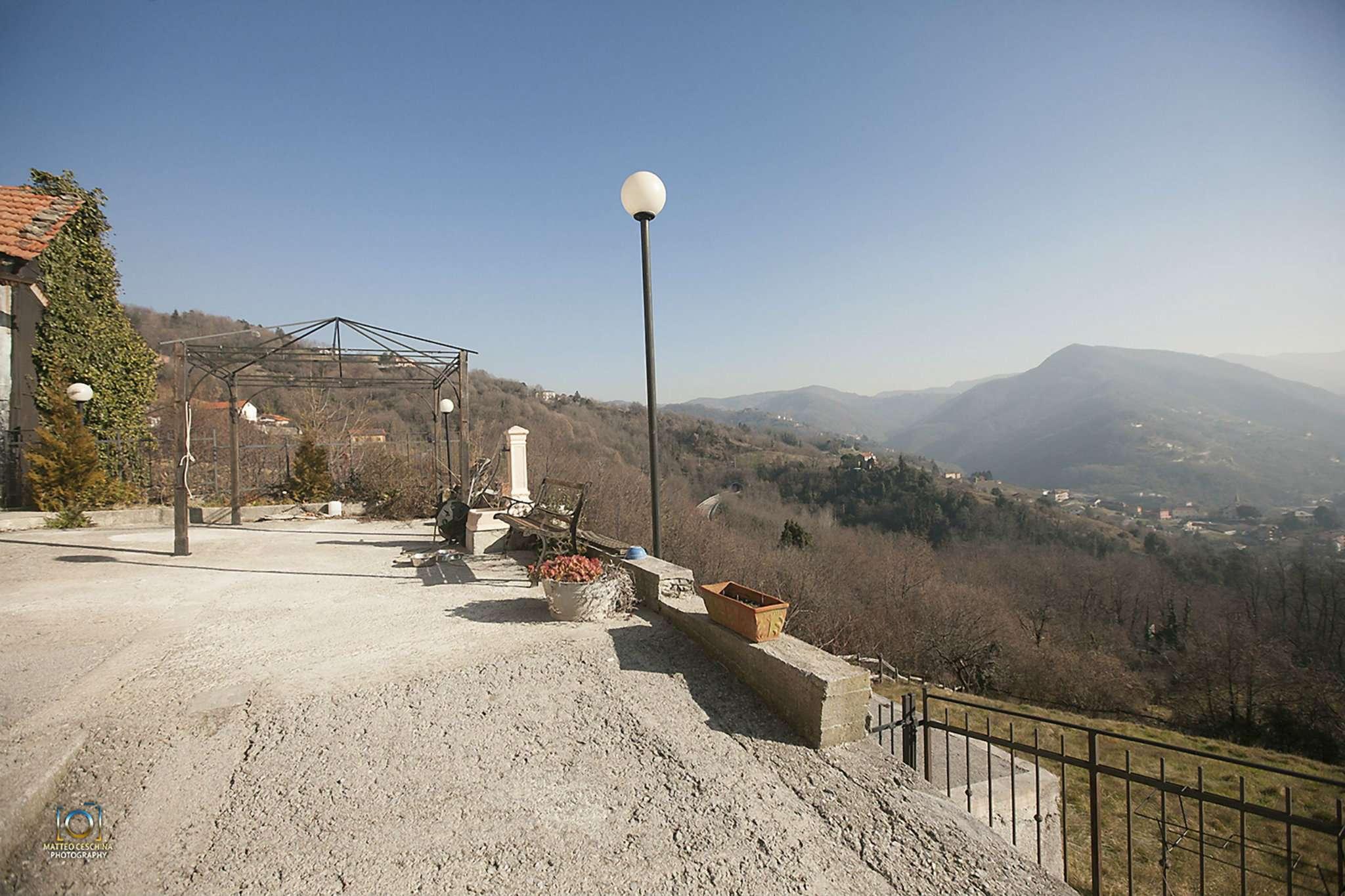 Palazzo / Stabile in vendita a Serra Riccò, 7 locali, prezzo € 300.000 | Cambio Casa.it