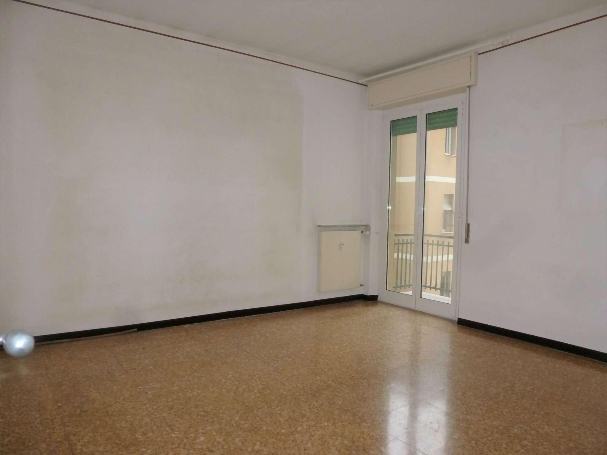 Appartamento in vendita a Campomorone, 5 locali, prezzo € 112.000   CambioCasa.it